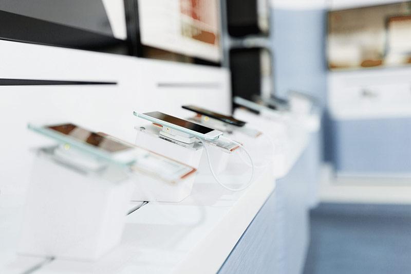 téléphones, des PC ou des laptops, des tablettes à La Rochelle | CRH Informatique