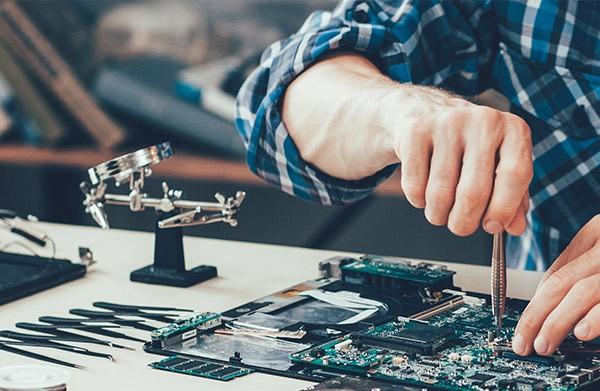 dépannage ordinateur ou jeu consoleà La Rochelle | CRH Informatique